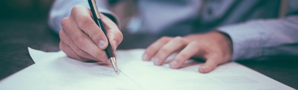 writing_pen_man_boy_male_ink_paper_pencils-655321